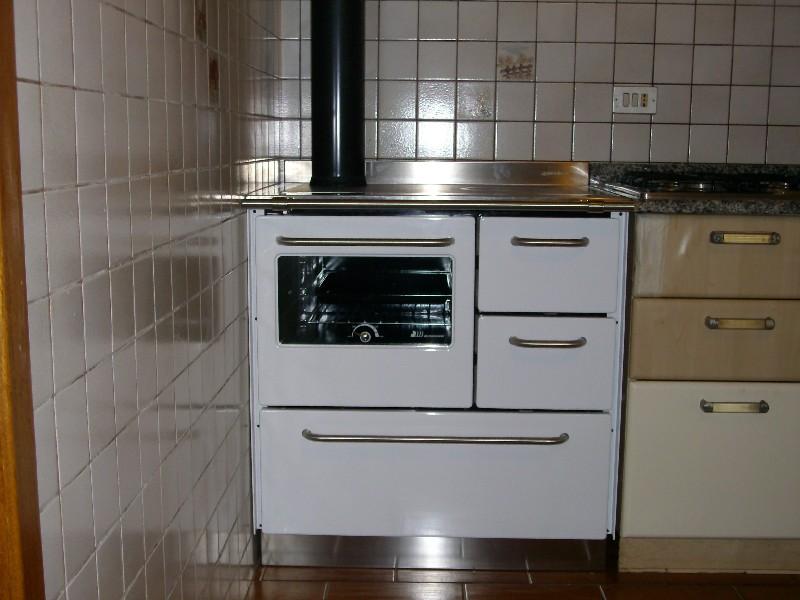 Deltafuoco di venica mauro spolerts caminetti - De manincor cucine ...