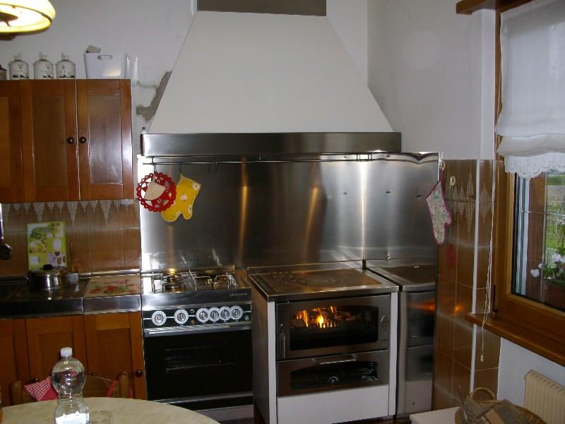 Deltafuoco di venica mauro spolerts caminetti termocaminetti cucine in muratura cucine e - Cappa per cucina a legna ...