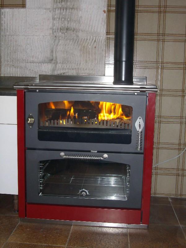 Deltafuoco di venica mauro spolerts caminetti termocaminetti cucine in muratura cucine e - Stufe a legna de manincor ...