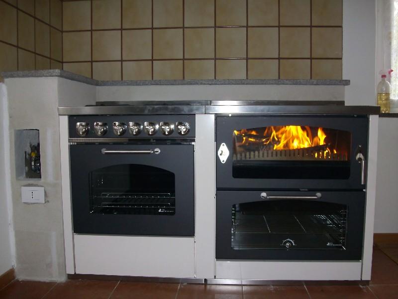 Cucina a legna in