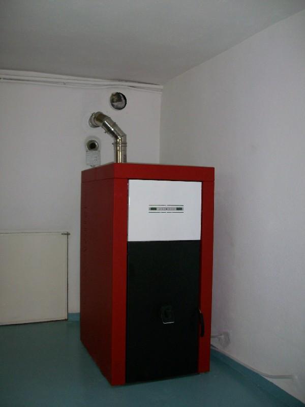 Deltafuoco di venica mauro spolerts caminetti termocaminetti cucine in muratura cucine e - Caldaia a pellet da esterno prezzi ...