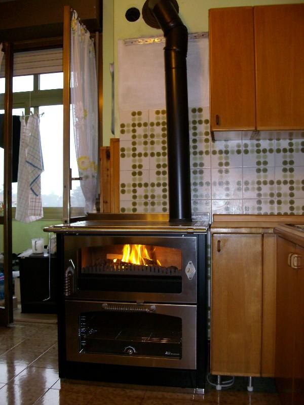 Cucine a legna in ghisa idee creative di interni e mobili - Di mauro mobili ...